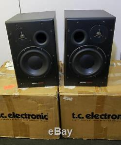 2 Dynaudio BM15A Powered Studio Monitors -Pro -Audio Great for Mixing Pair L&R