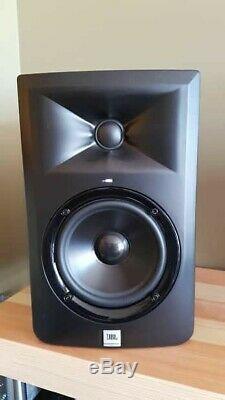 JBL Professional 305P MkII Powered 5 2-Way Studio Monitor Speakers pair
