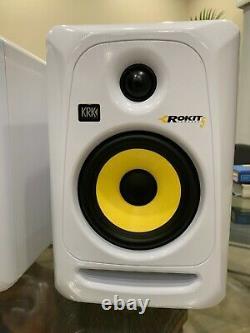 KRK RP5G3 ROKIT 5 G3 5 2-Way Powered Studio Monitor, White (Pair)