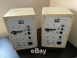 KRK Rokit 6 G2 6 Powered Near Field Studio Monitors Pair White + XLR/TRS