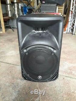 Mackie SRM450v2 Powered Speakers (Pair) Inc cases and stands