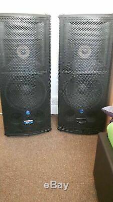 Pair Mackie SR1530 Powered Active Speakers tri amped 500w rms