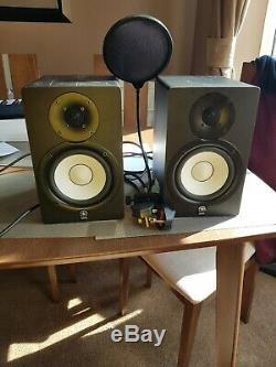 Pair Of Yamaha HS50M Studio Monitors Plus 2 Power Leads & Pop Shield