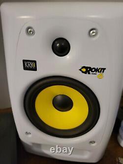 Pair of WHITE KRK ROKIT RP6se RP6G2SE-NA Powered G2 studio monitor Speakers