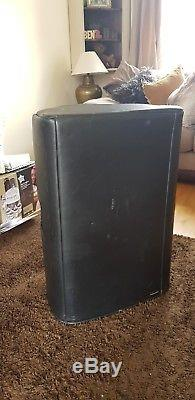 Pair of Yamaha DXR15 Powered Speakers with covers