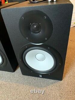 Pair of Yamaha HS8 Powered Studio Monitors Excellent condition (2016) DJ/Band